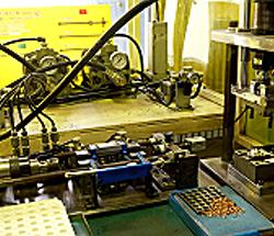 燃料系パイプ圧入・カシメ加工