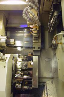 スイスターン型NC複合自動盤3