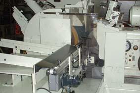 ローダー等搬送装置をを設計製作し取付致します。