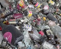 原材料のガラス瓶