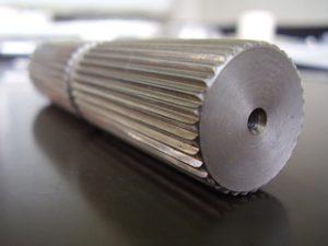 横型ブローチ・スプライン加工-写真2