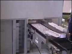 医薬専用機 ロンド3次元搬送装置