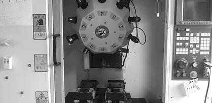 マシニングセンタ(樹脂加工)