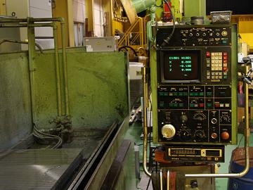 平面研削盤(岡本工作機械)