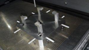 型彫り放電加工機用治具