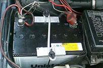 バッテリーの固定等、様々な用途で活躍