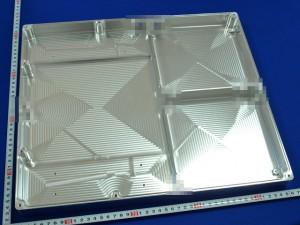 アルミ切削品(450×440)