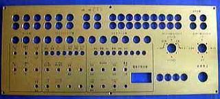 アルミ、アクリなのど、彫刻して上記のような加工も行っております。 弊社での在庫の厚みは1.2.3mmございます。